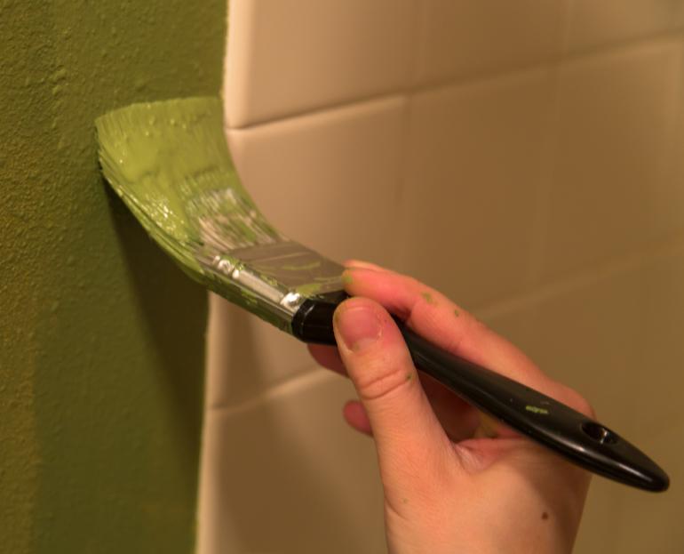 paint your bathroom like the pros - haye's plumbing