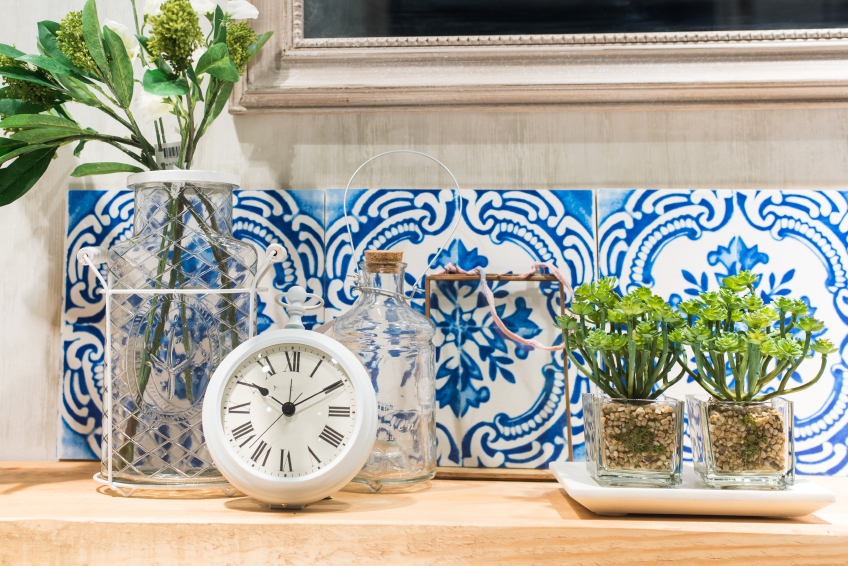 Vintage Style Bathroom Shelf with Plants and Accessories